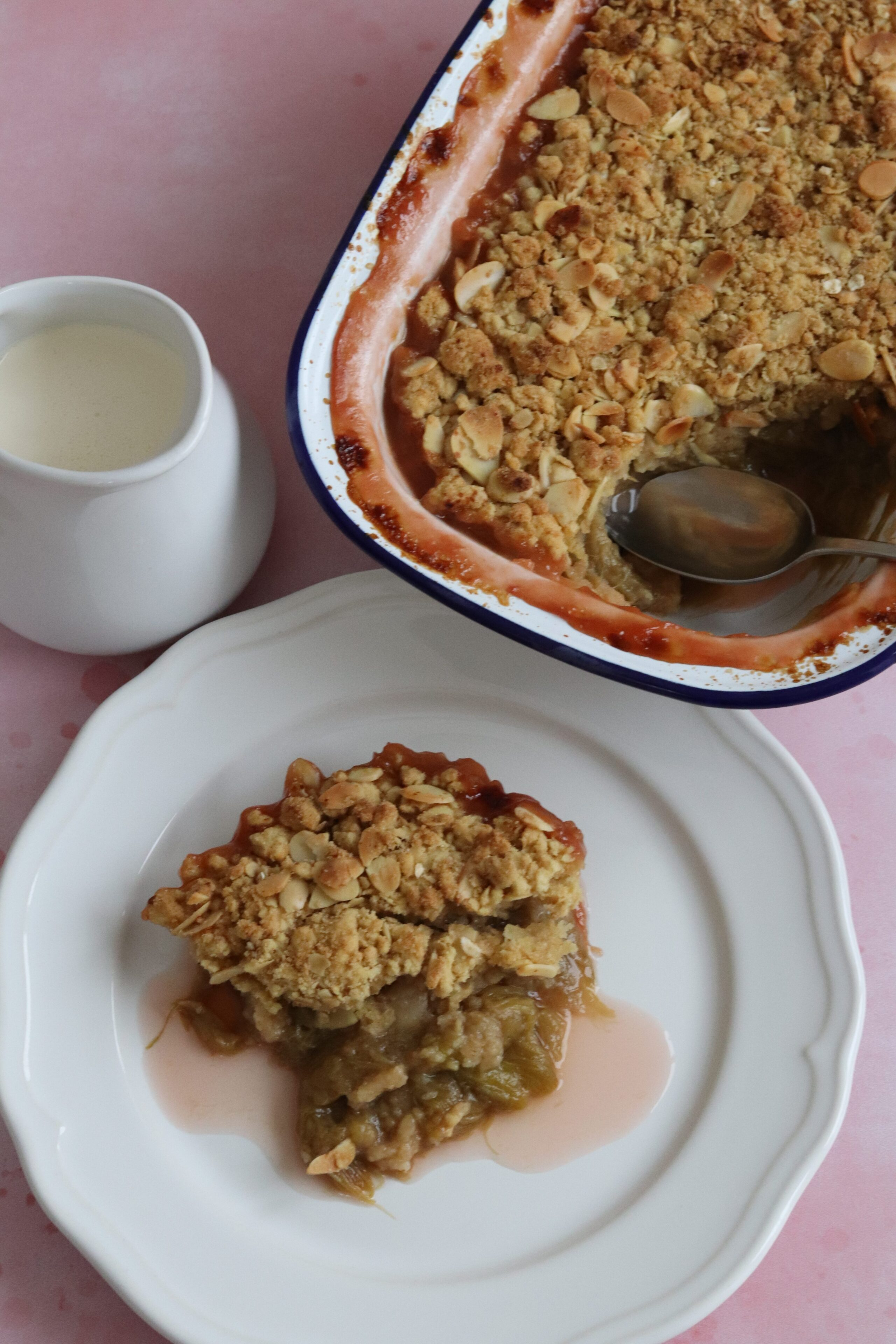 Port rhubarb crumble by Curly's Cooking