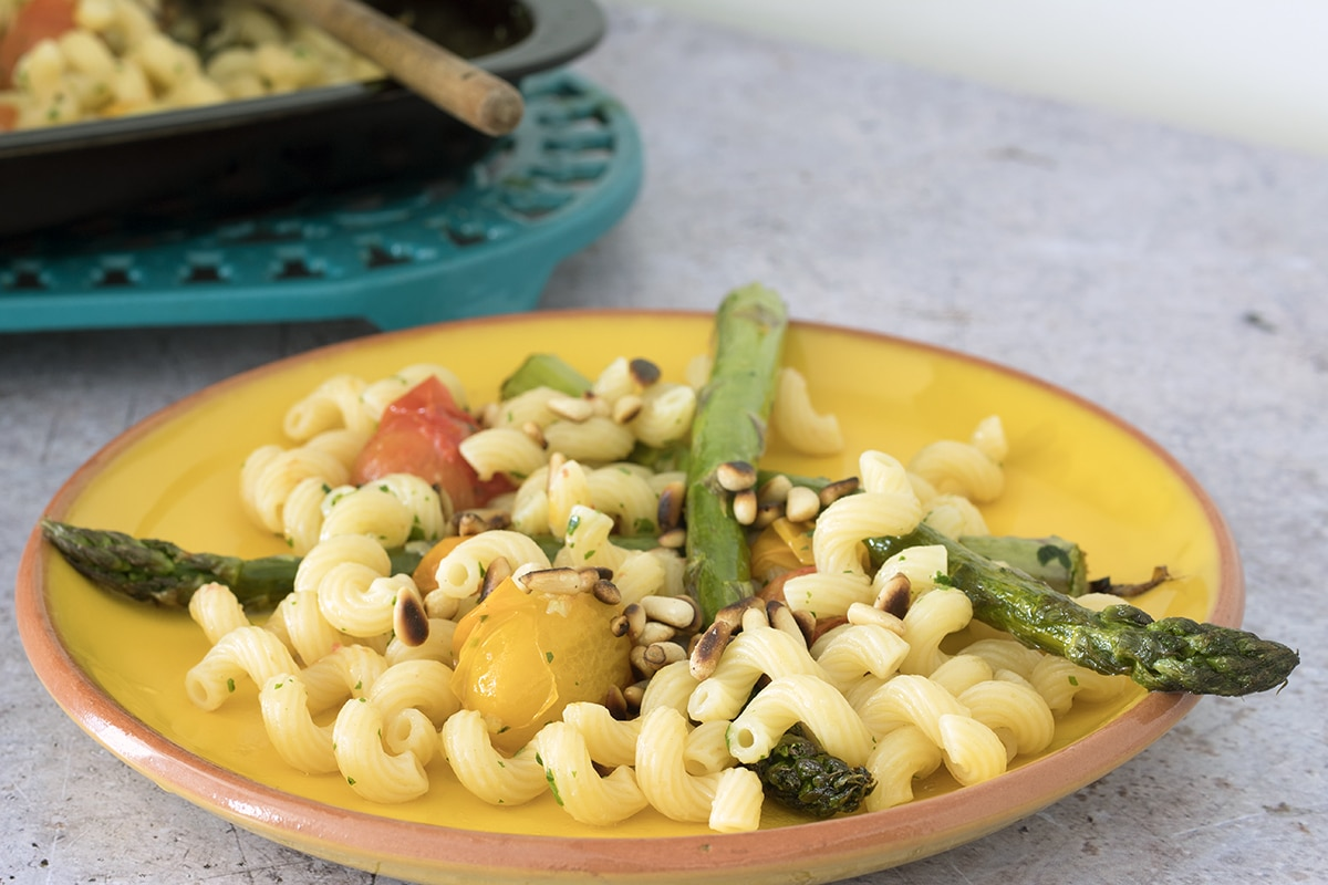 roasted tomato and asparagus pasta