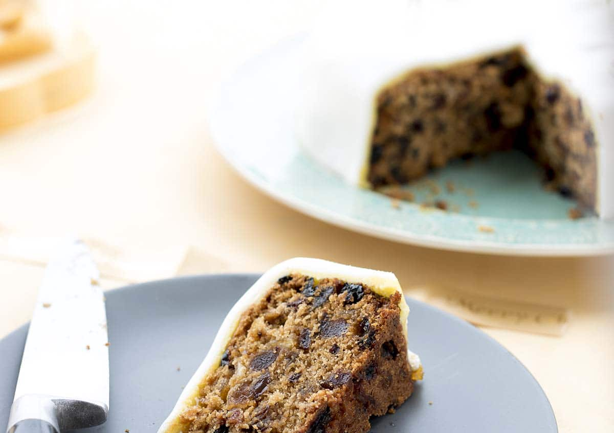 vegan christmas cake recipe by Cook Veggielicious
