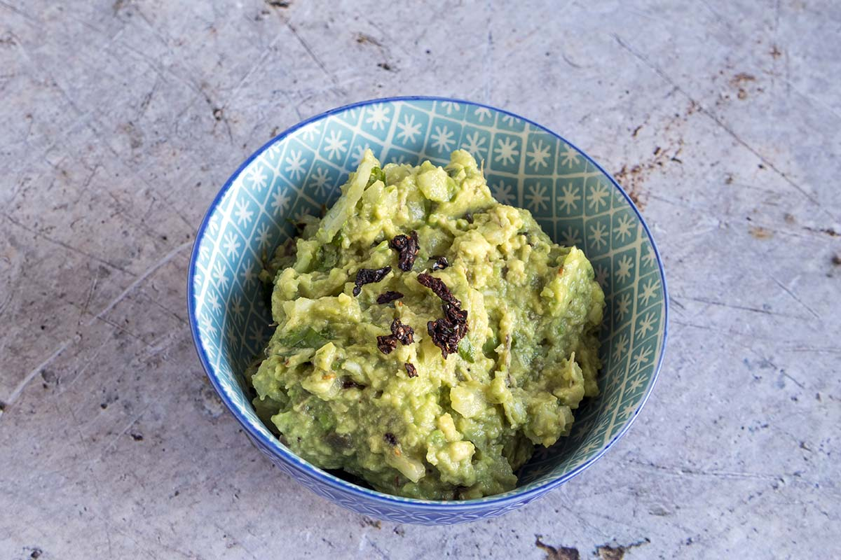 vegan guacamole with chipotle by Cook Veggielicious