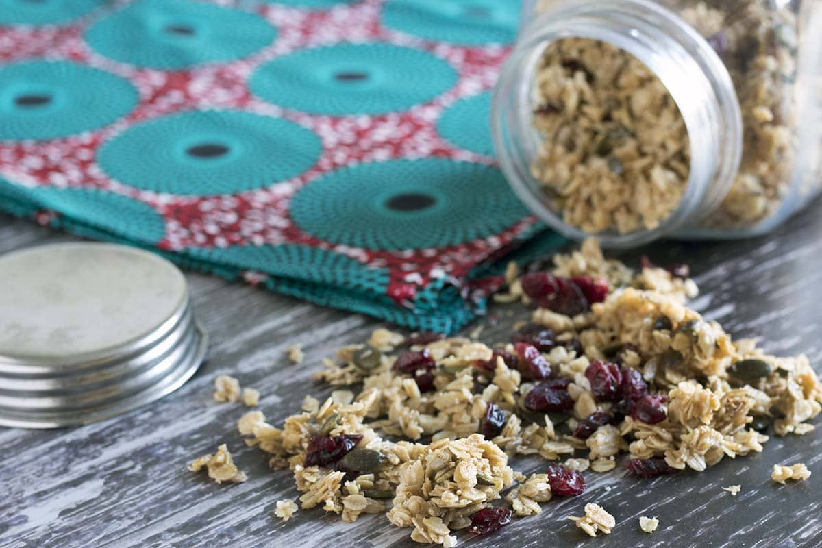 Cranberry, almond and cinnamon granola