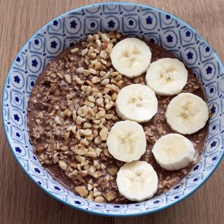 vegan hazelnut chocolate overnight oats recipe by Cook Veggielicious