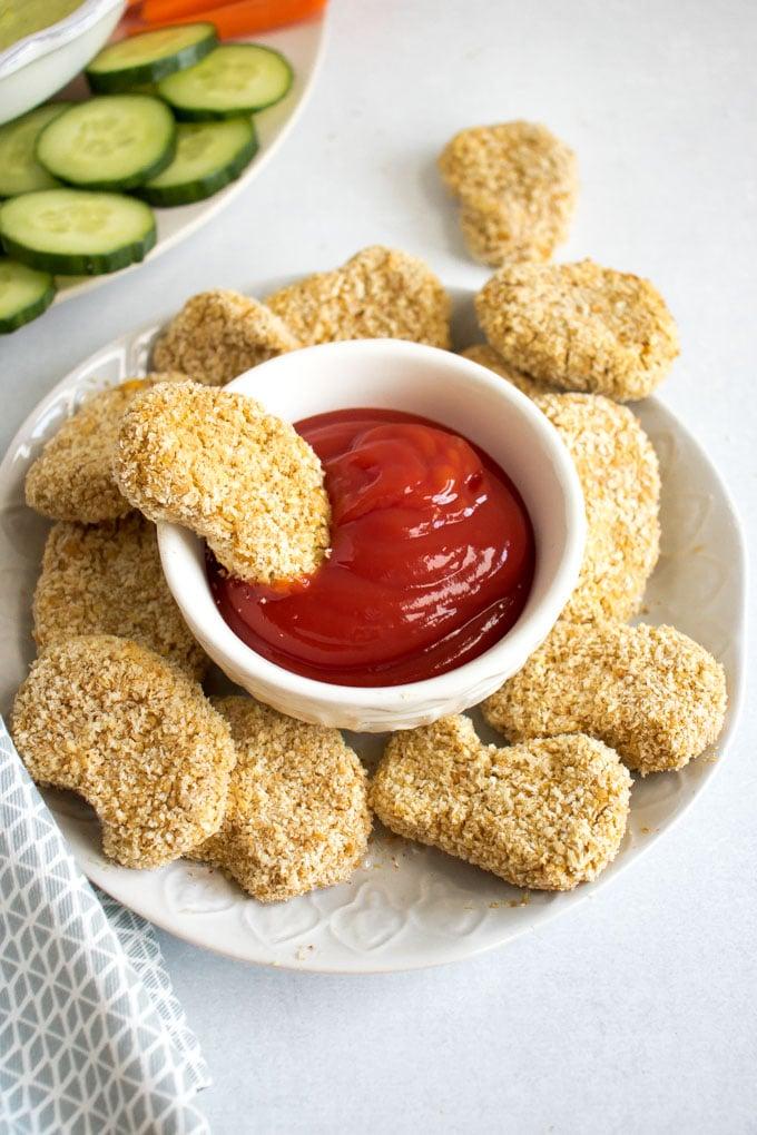 Vegan chicken nuggets by Veggie Desserts