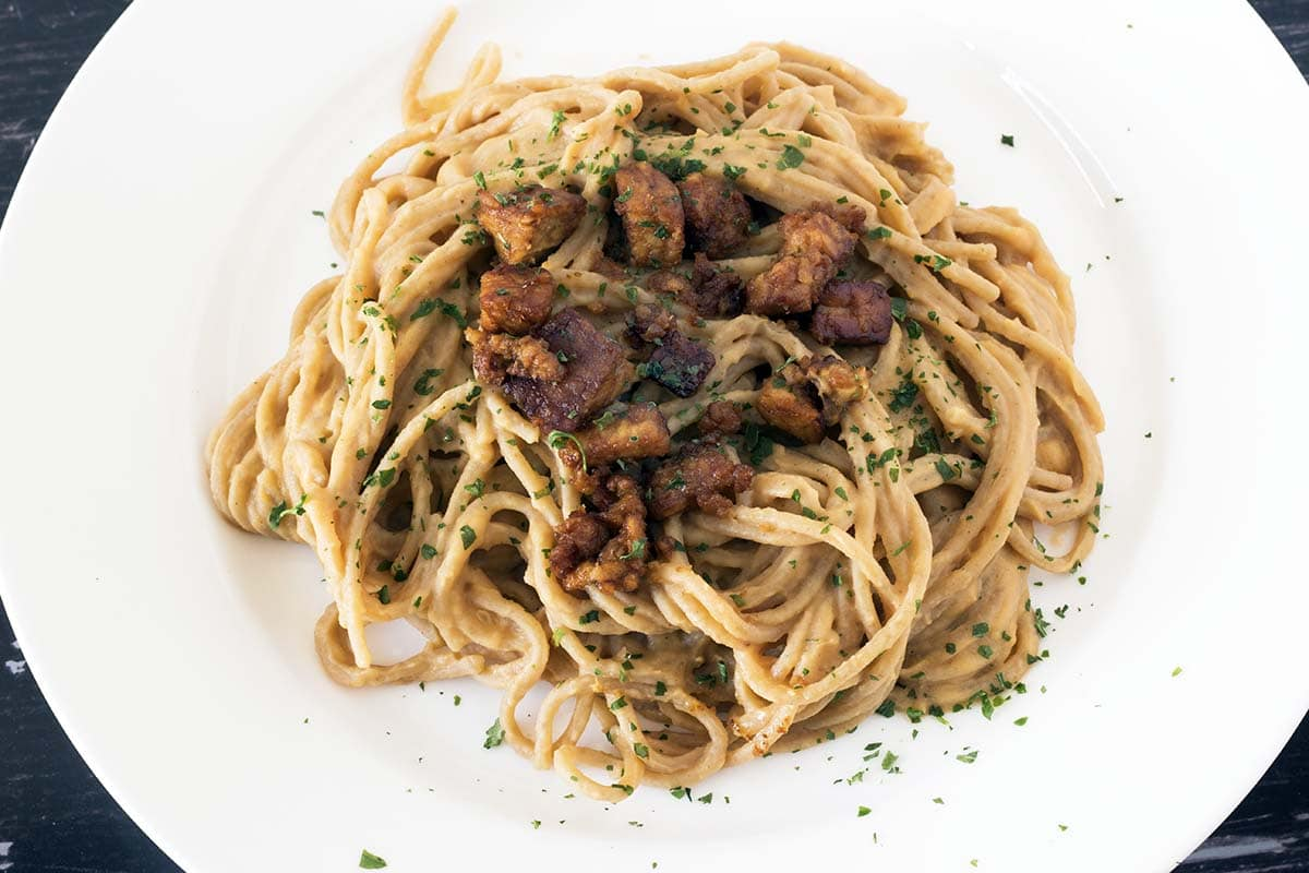 spaghetti with swede carbonara and tempeh pieces