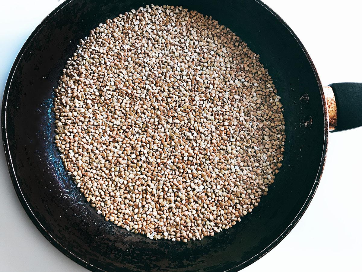 toasted buckwheat in frying pan