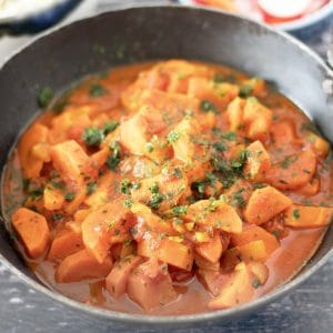 one pot carrot curry in black pan